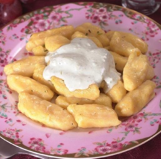 Ньокки из тыквы и картофеля с сырным соусом в мультиварке