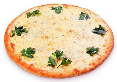 Пицца с грибами и яйцами