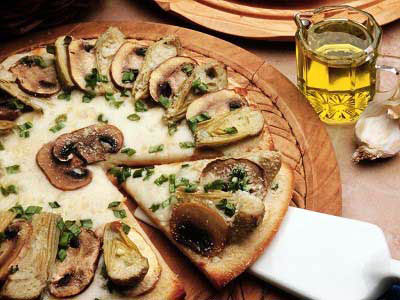 Пицца с грибами и сметаной