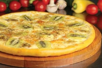 Пицца с фруктами